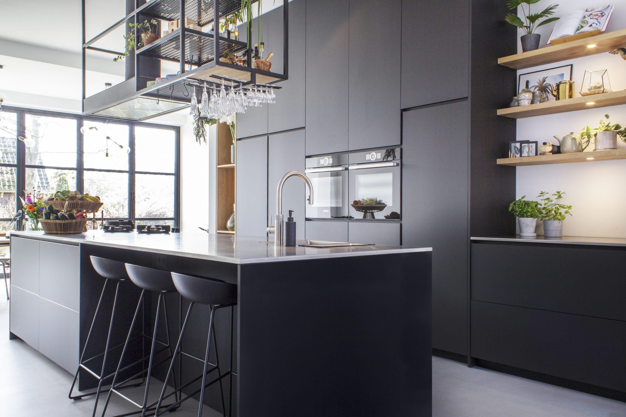 Moderne Keuken Van Mat Zwart Arpa Fenix Houten Elementen Robert Tediek