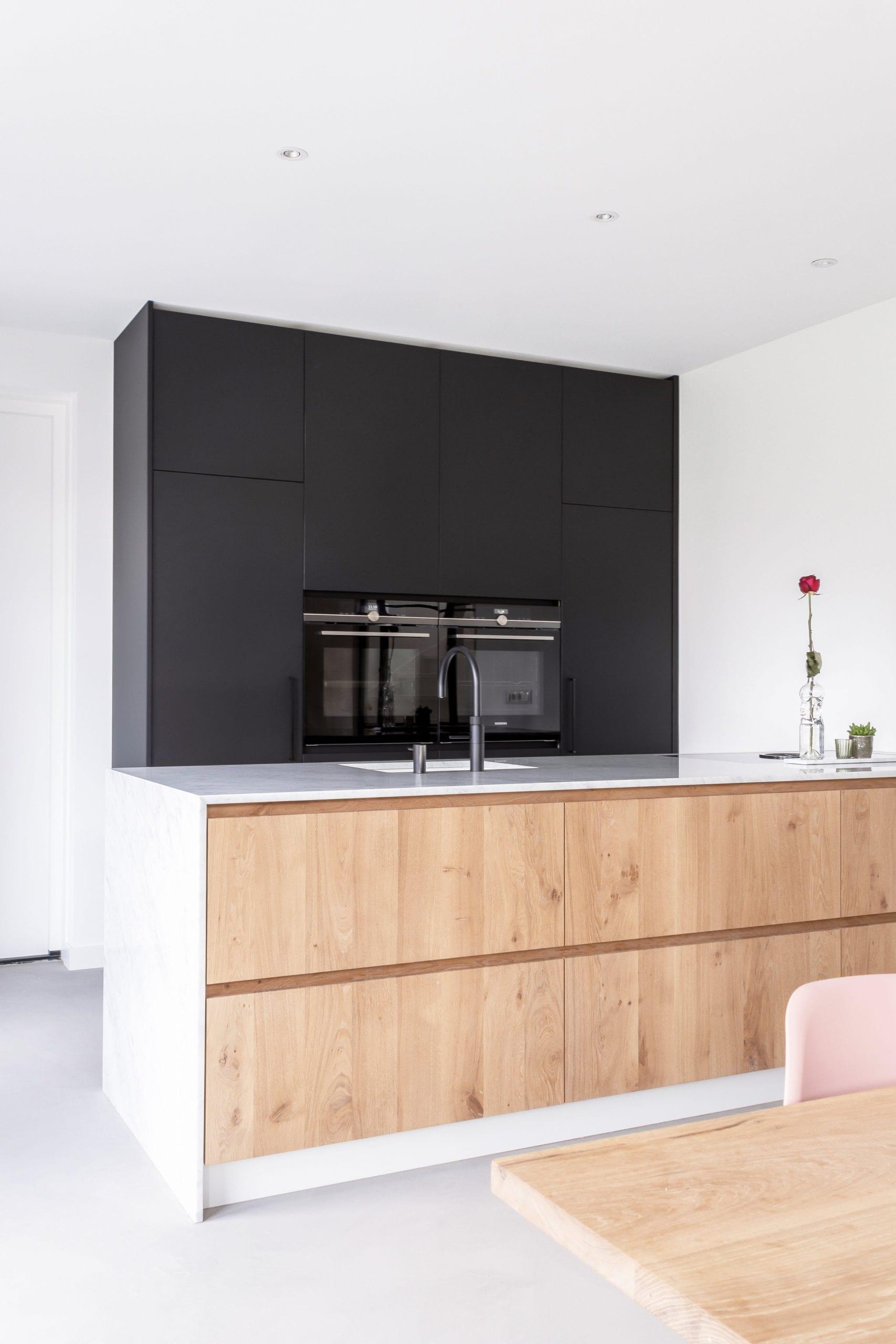 Modern Interieur Met Marmer En Eiken Robert Tediek